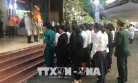 People mourn former PM