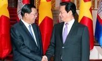 Prime Minister Nguyen Tan Dung begins Cambodia visit