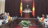 National Assembly Chairman Nguyen Sinh Hung receives Spanish Senate delegation