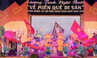 Art performance to celebrate Hung Kings Temple Festival 2014