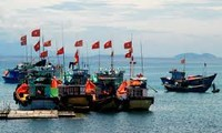 Foreign reporters write about Vietnamese fishermen and China's actions in the East Sea