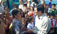 President visits Tho Chu island commune