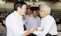 President meets voters in district 4, HCM city