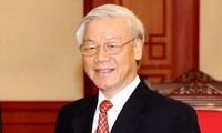 Party leader: more breakthroughs needed to fight corruption in 2015