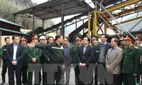 Deputy Prime Minister works with coal production companies in Quang Ninh