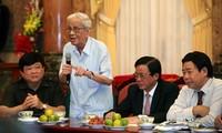 Revolutionary, veteran journalist Huu Tho