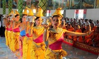 阮善仁向芹苴市高棉族同胞祝贺传统新年