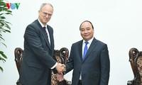 越南政府总理阮春福会见德国驻越大使