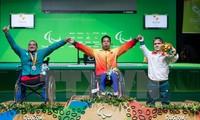 越南举重运动员黎文公在2016年夏季残奥会上刷新世界记录