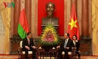 越南公安部长苏林与白俄罗斯国家安全委员会主席瓦库利奇克举行会谈