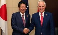 日本首相安倍访问澳大利亚