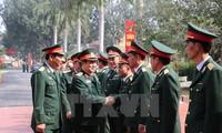吴春历大将视察205通信旅战备工作并拜年