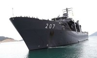 新加坡军舰访问越南