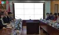 越南之声广播电台与日本关西电视台加强合作