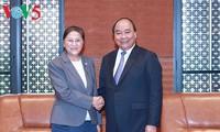 阮春福会见老挝国会主席巴妮