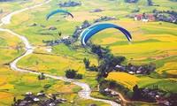 丘坡滑翔伞节在安沛省举行