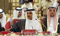 卡塔尔敦促通过对话解决分歧