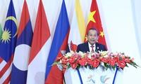 越南愿在东盟经济共同体与中国间发挥桥梁作用