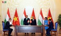 匈牙利总理欧尔班圆满结束对越南的正式访问