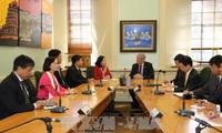 越共中央民运部部长张氏梅对新西兰进行访问