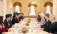 越南和拉脱维亚加强各领域合作