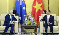 越南国家主席陈大光会见APEC各经济体领导人