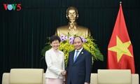 越南政府总理阮春福会见中国香港特别行政区长官