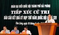 Nguyen Xuan Phuc총리와 Vuong Dinh Hue부총리, 지방 유권자들 접촉