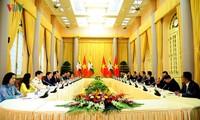Вьетнам и Мьянма обязались углубить инвестиционно-предпринимательские отношения