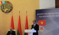 Чан Дай Куанг и Александр Лукашенко председательствовали на белорусско-вьетнамском бизнес-симпозиуме