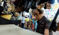 Об обувщице Нгуен Тхи Лиен, которая бережно сохраняет народное ремесло