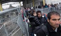 Austria considers asylum applications at borders