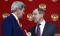 Lavrov, Kerry hold phone talks on Syria ceasefire