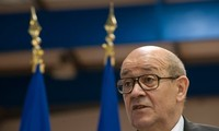 French defense minister in Iraq for talks on anti-IS war
