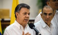 Colombia revises constitution to make way for peace deal