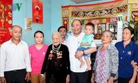 Prime Minister Nguyen Xuan Phuc visits new rural commune in Dak Lak