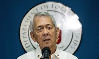 Philippines urges China to respect PCA's ruling