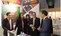 Vietnam's food products introduced at Paris international food industry expo