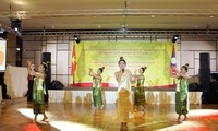 Art program marks 55th anniversary of Vietnam-Laos diplomatic ties