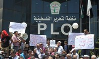 Palestinians warn to freeze ties with the US