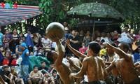 Unique mud ball wrestling festival in Van village