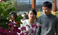 В преддверии Нового года на цветочном рынке Куанган