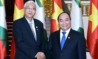 Президент Мьянмы встретился с премьер-министром Вьетнама