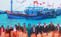 Данг Тхи Нгок Тхинь приняла участие в празднике выхода в море