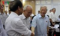 Генсек ЦК КПВ Нгуен Фу Чонг встретился с избирателями ханойского района Хайбачынг