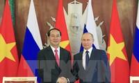 Российские СМИ положительно оценивают визит президента СРВ в РФ
