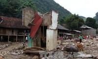 Выделено 600 млн донгов в помощь пострадавщим от стихийных бедствий в провинциях Йенбай и Шонла