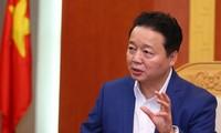 Чан Хонг Ха изучает ситуацию со стихийными бедствиями в провинциях Йенбай и Шонла