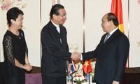 Премьер Вьетнама встретился с руководителями ведуших корпораций Таиланда