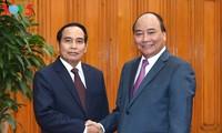 Вьетнам готов делиться опытом в развитии страны с Лаосом